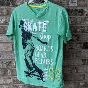 🎀5 for 25🎀 BOY'S SKATER V NECK T SHIRT